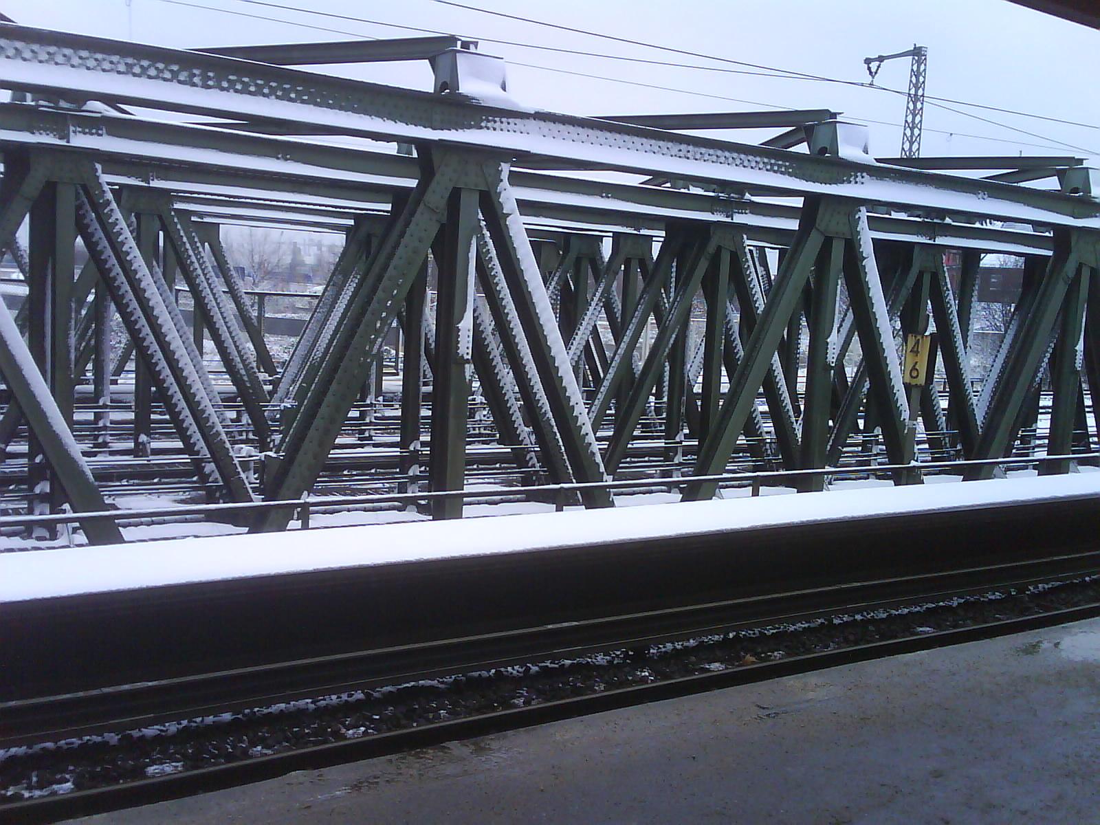 Brücke mit vielen Pfeilern